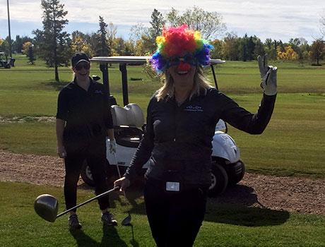 golf-tourney-2019-clown